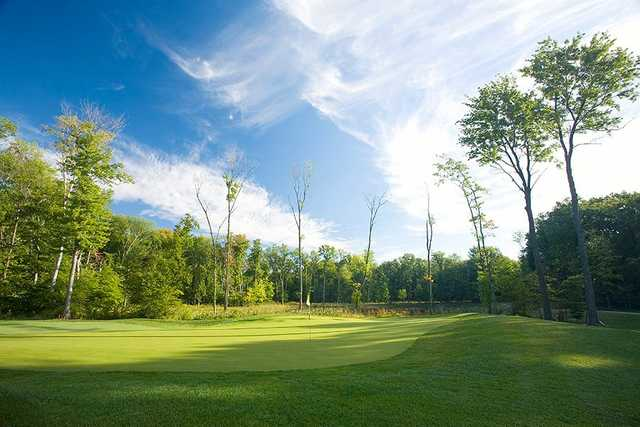 A view of a green at Signature of Solon