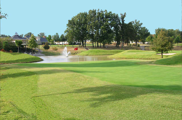 A view of a green at Marion Lakes Golf & Athletic Club
