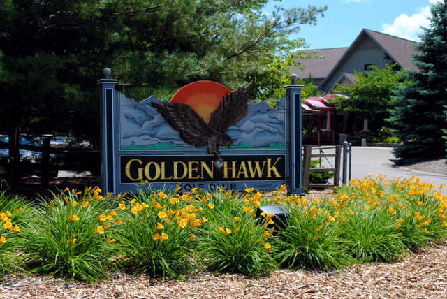 Golden Hawk GC: clubhouse view