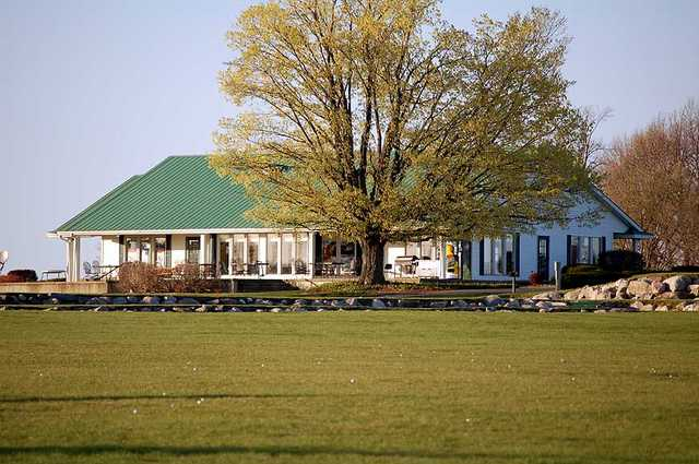 A view of clubhouse at Eagle Glen Golf Course
