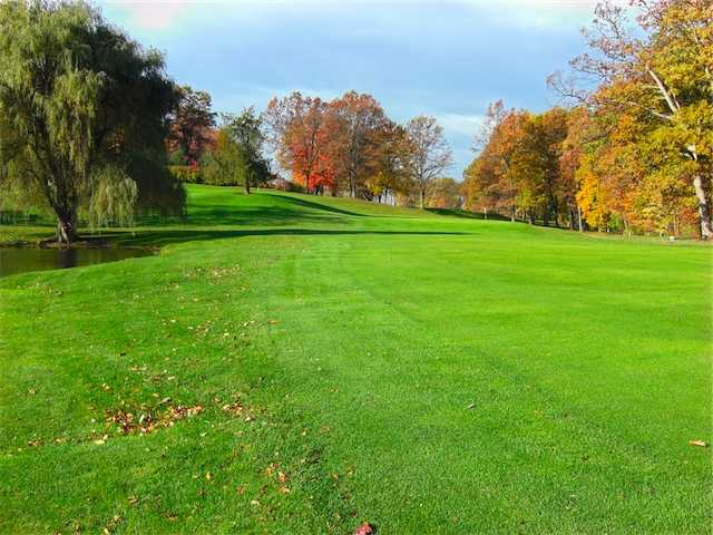 A sunny view from Dunham Hills Golf Club