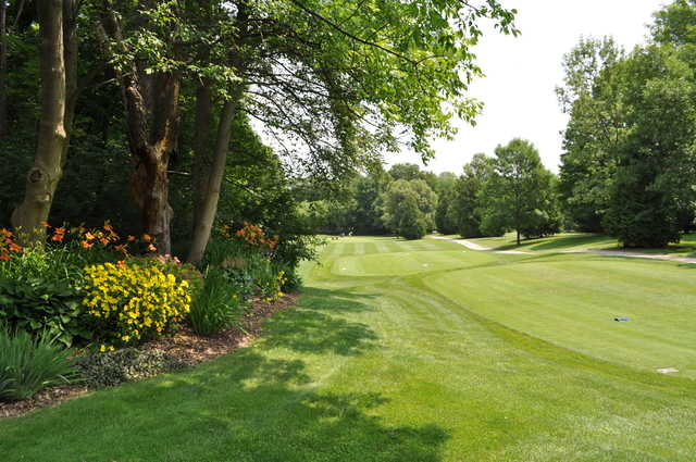 A view of a tee at Cambridge Golf Club