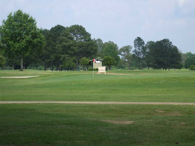 A view of a green at Oaks Country Club