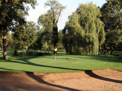 A view of a green at Guiche Course from Coudray Golf Club