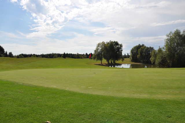 A view of a green at Golf de Senart