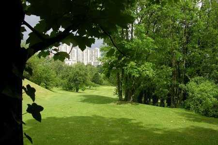A view of a fairway at Rosny sous Bois Golf Course