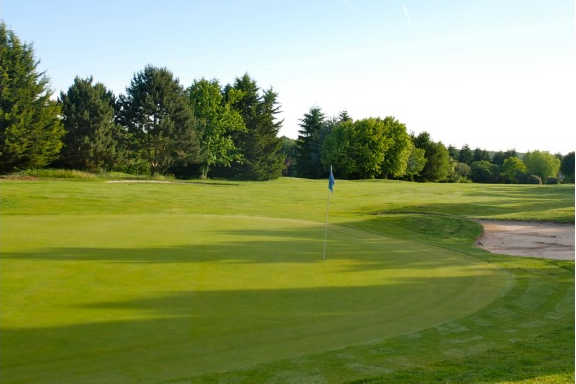 Green at Saint-Germain-Les-Corbeilles Golf Club