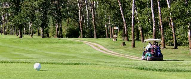 A sunny day view from Sandhills Golf and Country Club