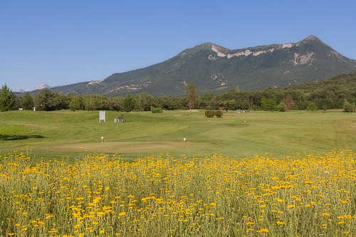 A view of a tee at Digne La Lavande Golf Club