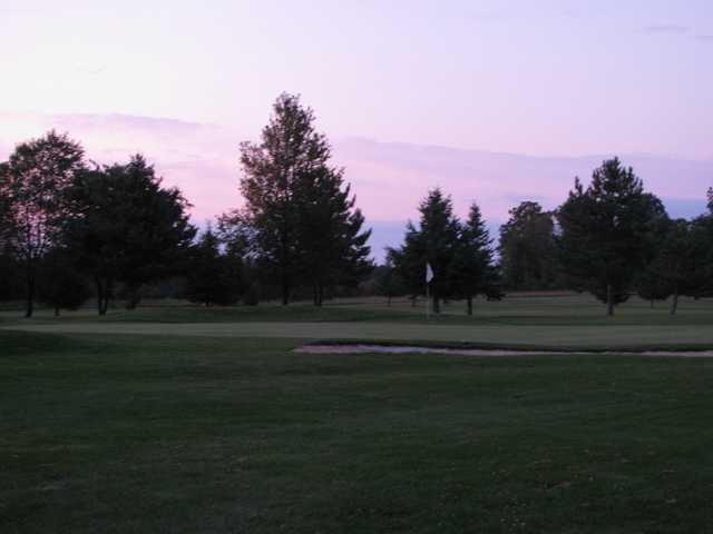 A view of green #4 at Oakland Greens Golf and Country Club