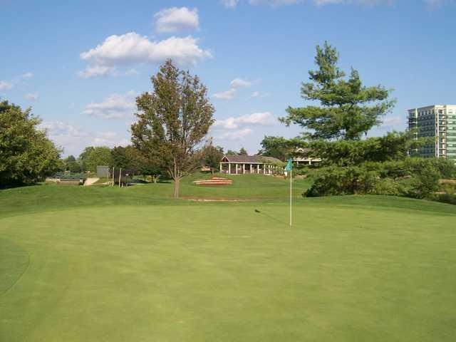 A view of green at Seven Bridges GC