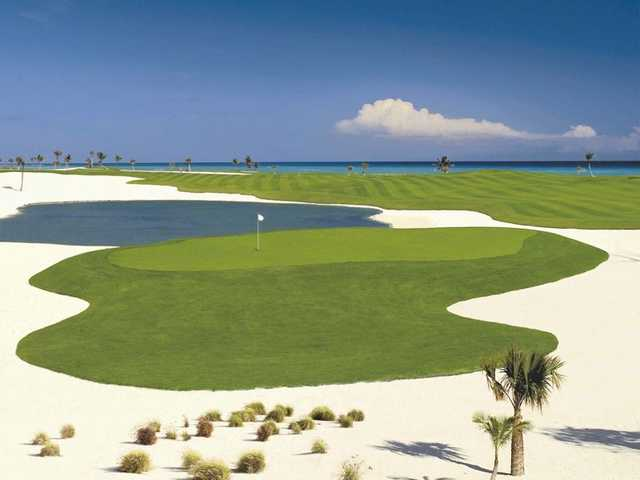 A view of a green protected by sand at Cap Cana - Punta Espada.