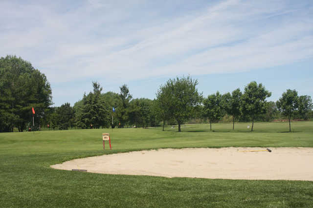 A view of the practice area at Cinder Ridge Golf Course