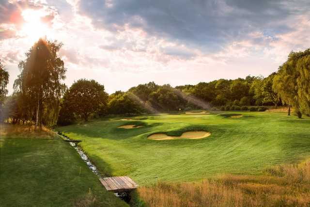 17th at Hadley Wood Golf Club requires an accurate approach