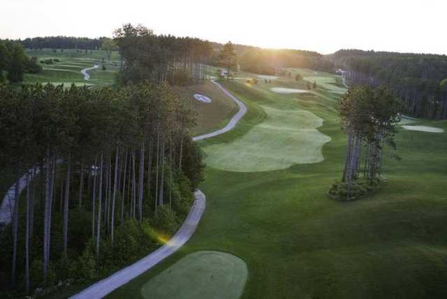 Settler's Ghost: View from the 1st hole