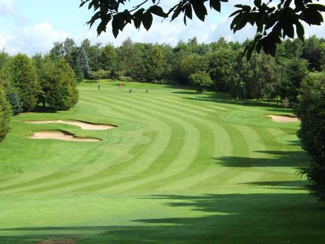 Long sweeping fairways at Bromsgrove Golf Centre