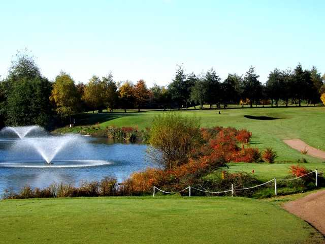 The beautiful 16th hole water fountain at Bromsgrove Golf Course