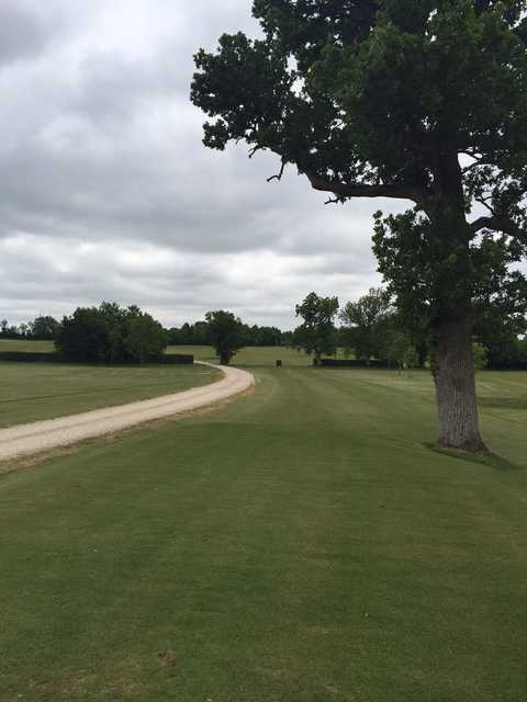 The 1st hole at Oaksey Golf Club