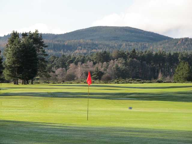 The 2nd green at Ballater Golf Club