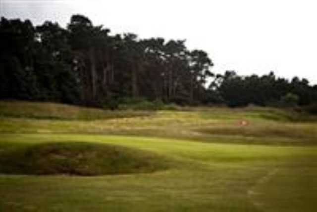 A fairway apprach shot overlooking the 9th green at Caldecott Golf Club