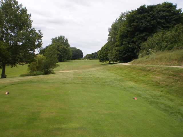 A tricky tee shot at Sene Valley GC