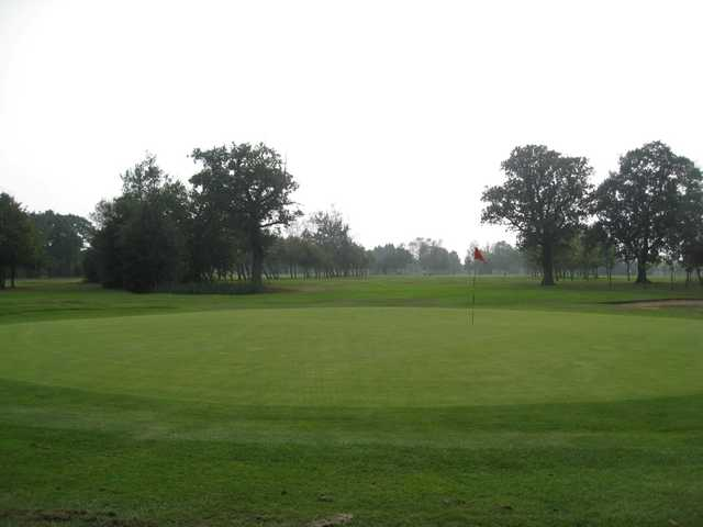 The 18th hole at Oakridge Golf Club