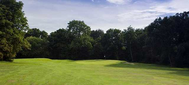 Gerrards Cross GC: Tough approach to the 14th