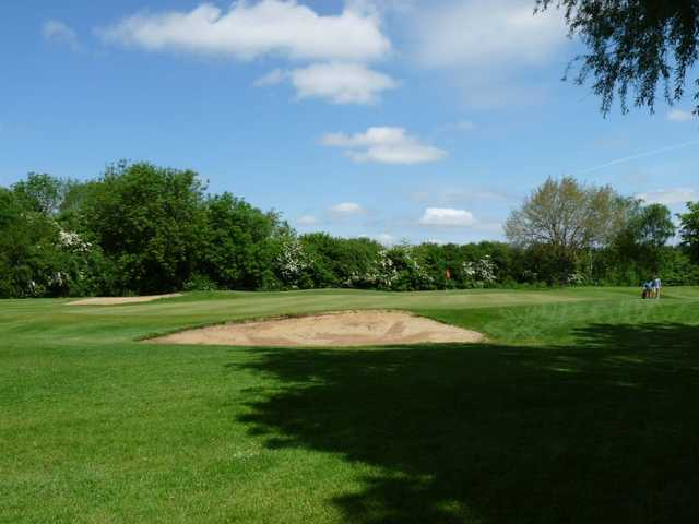 An accurate shot is required to miss these bunkers at Windmill Hill