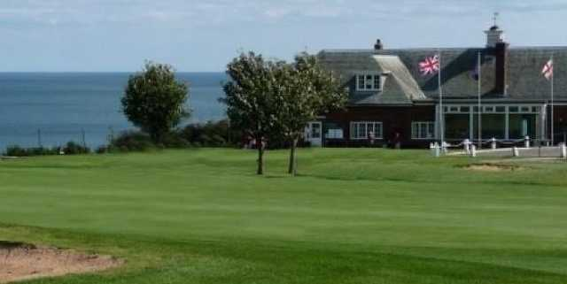 Scarborough North Cliff: View across the 18th toward the clubhouse