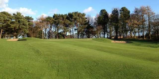 Uphill approach to the 7th at Scarborough North Cliff