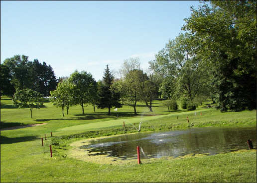 A view of the 17th green at 3 Lakes Golf Course