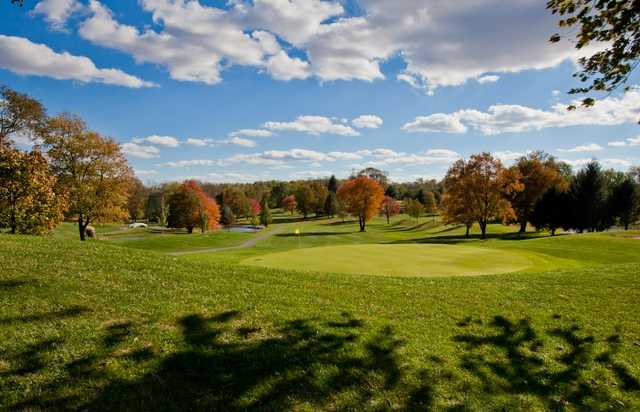 A view of the 6th green at Tanglewood Manor Golf Club.