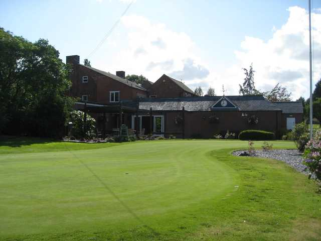 Beautiful view of the putting green and clubhoue at Shrewsbury Golf Club