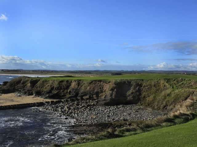 Seahouses GC: The wonderful par 3, 15th, over the beach