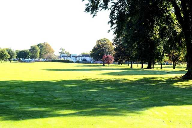 18th fairway heading back to the clubhouse at Belhus Park