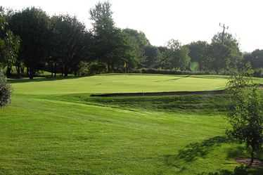 View of the 8th green at Ely City Golf Club