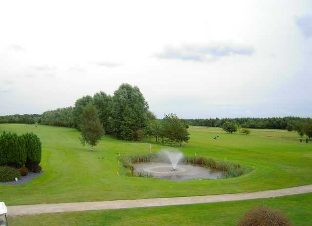 View of the 1st and 18th holes and elegant fountain at Mersey Valley Golf & Country Club
