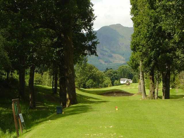 Narrow 15th hole tee area Callander GC