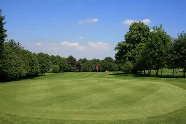 Large greens at Louth GC