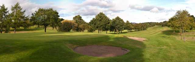 The bunker-guarded greens at Kingsknowe Golf Course