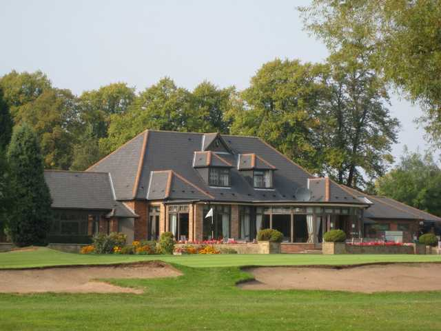 The 9th green and beautiful clubhouse at Walsall Golf Club