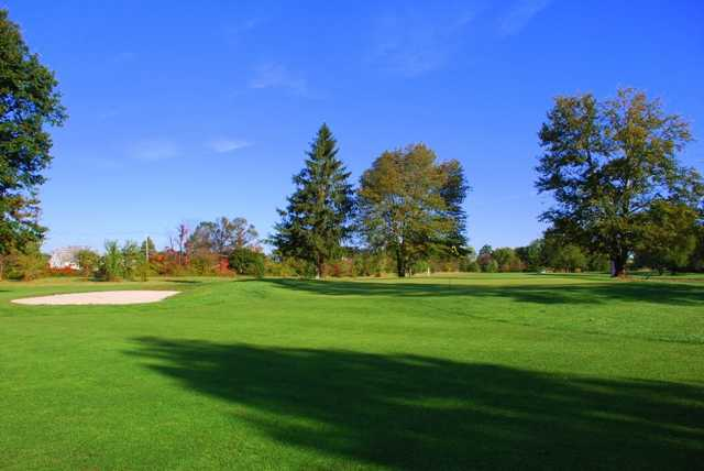 A view of hole #3 at Springfield Golf Center