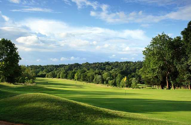 Beautiful green surrounds as seen at the 2nd hole at Croham Hurst Golf Club.