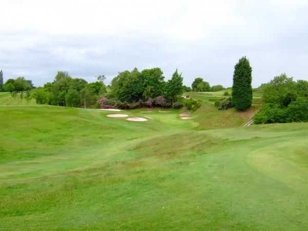 There are plenty of bunker hazards to avoid at Stand Golf Club