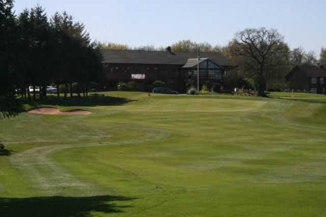 18th approach with Hazel Grove clubhouse behind