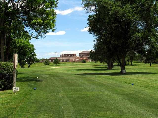 River Cliff GC: View from 3rd tee