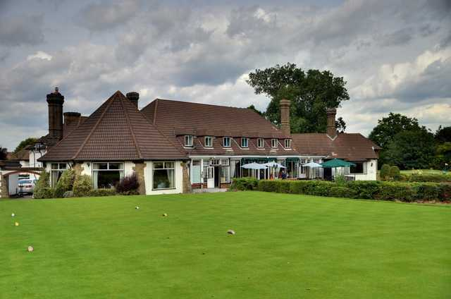 The 1st tee with the clubhouse in the background at Shirley Park Golf Club