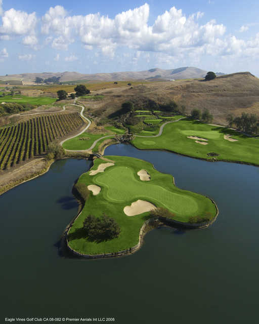 View of the 6th hole at Eagle Vines Golf Club