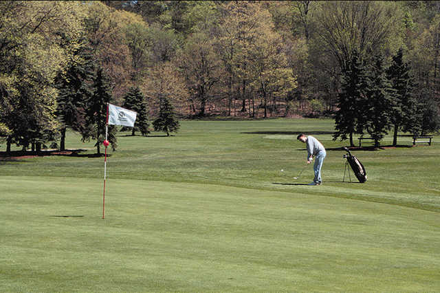 View of a green at Mastick Woods Golf Course