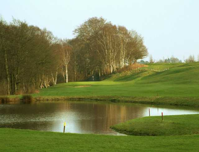 Water to carry on the 7th at Vale Royal Abbey Golf Club